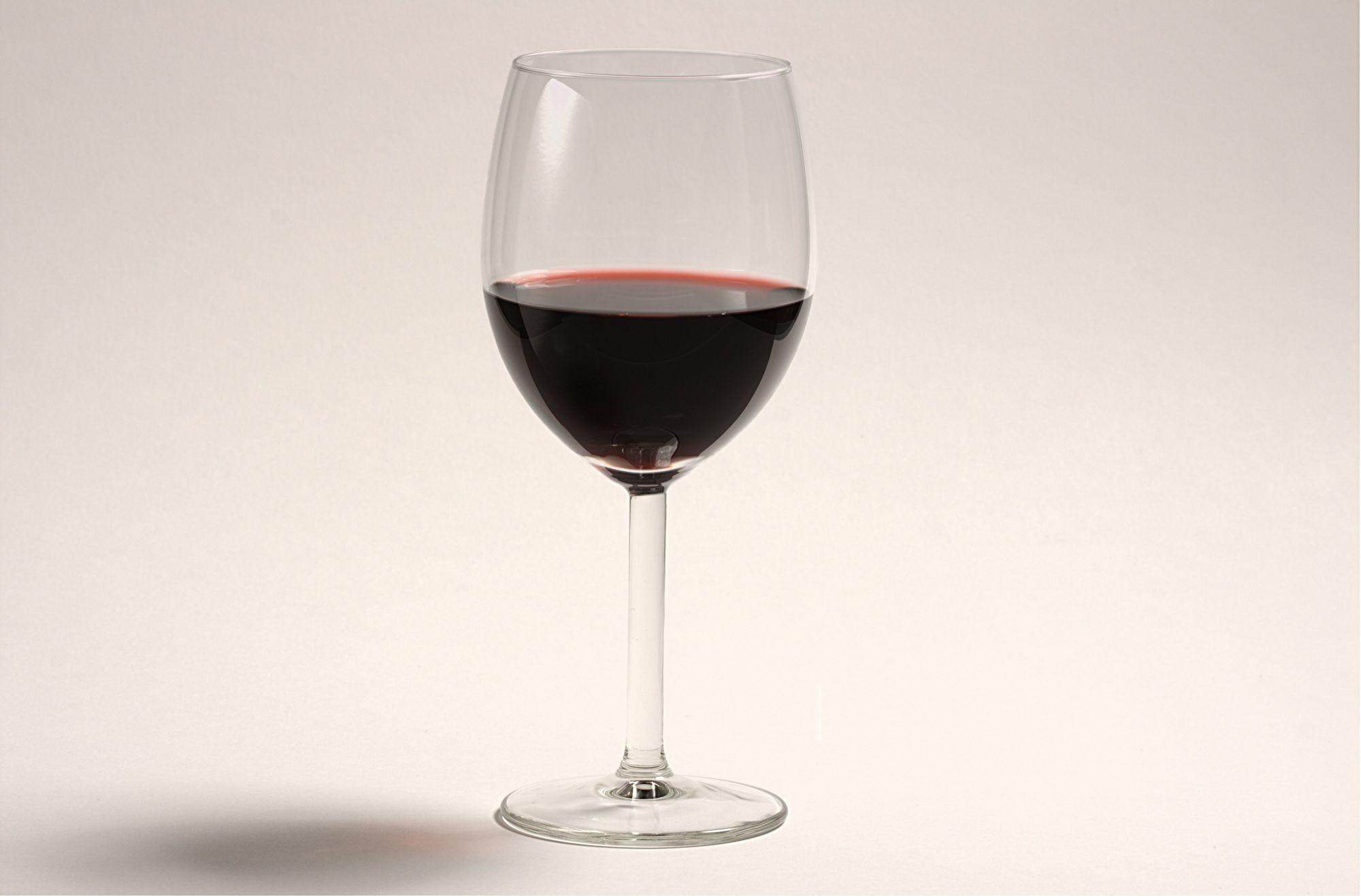 Investir dans le vin : comment faire pour améliorer ses revenus ?